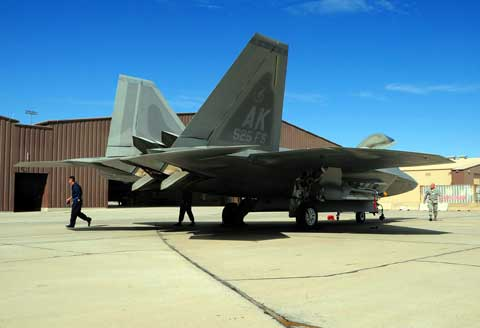 f22 at holloman afb