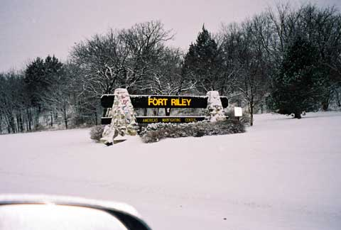 Fort Riley main sign