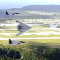 B2 Flies over Mountain Home Air Force Base