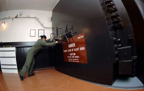 Minot afb - Blast durable door