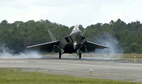 Plane lands at Tyndall Air Force Base